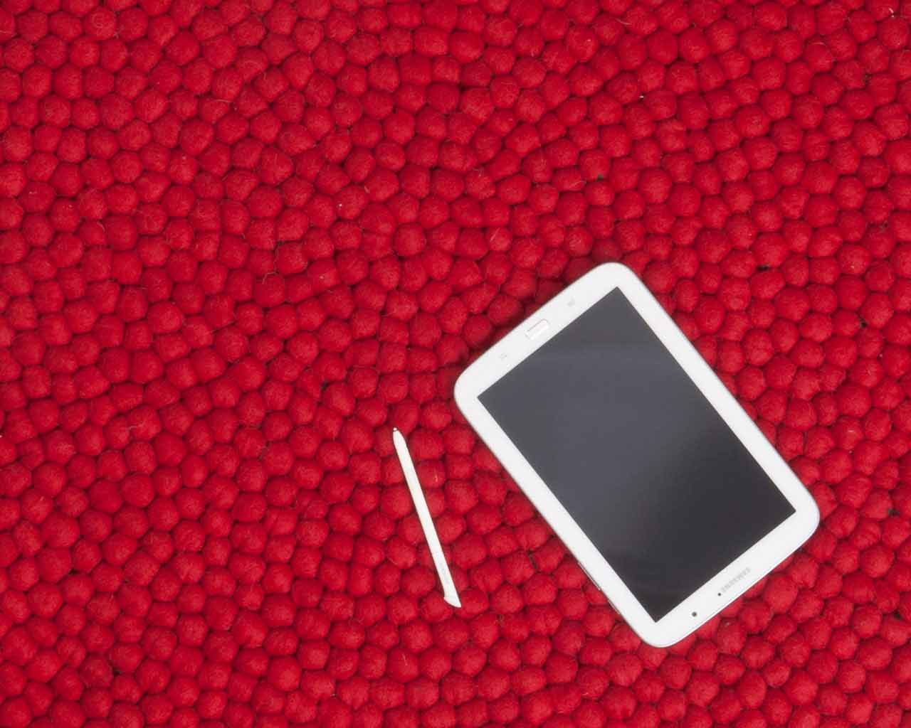 tablet carpet red white designer