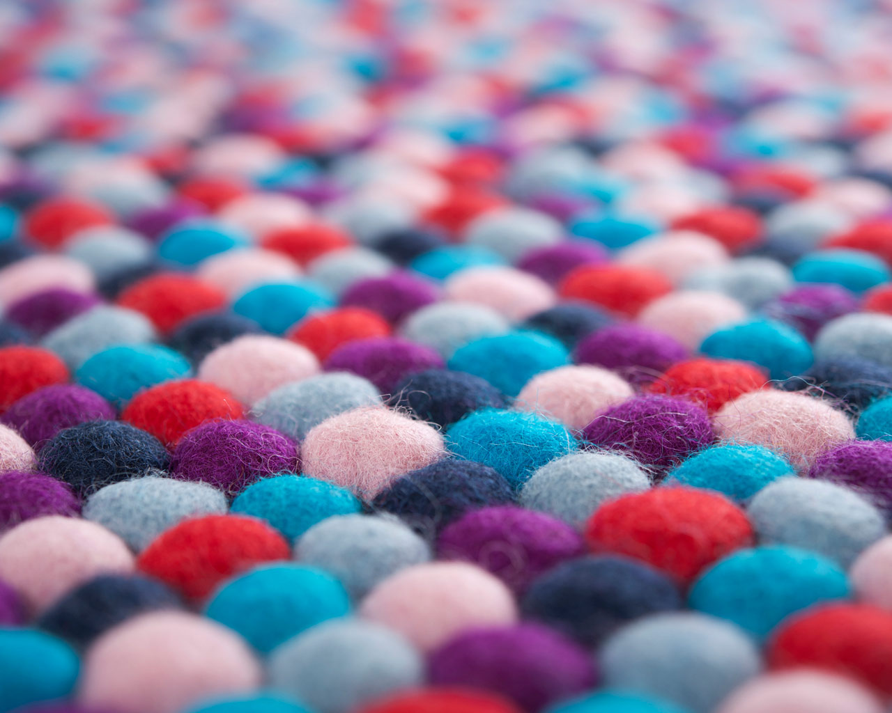 making felted carpet colours